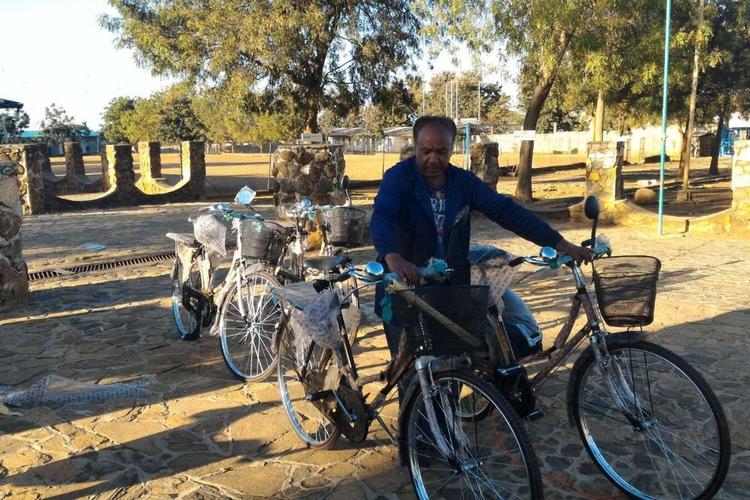 Lo sviluppo va anche in bici, Paola Gianotti in Uganda