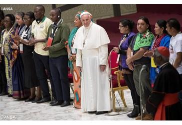 Il Discorso del Papa ai movimenti popolari.