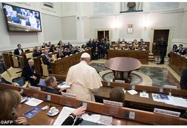 Papa: rischio guerra mondiale per l'acqua. Ascoltare grido dei poveri
