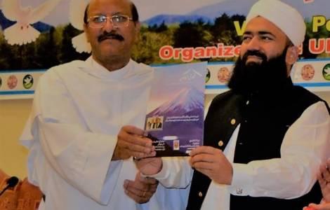 ASIA/PAKISTAN – L'Africa premia un prete e un imam pakistani per l'armonia interreligiosa