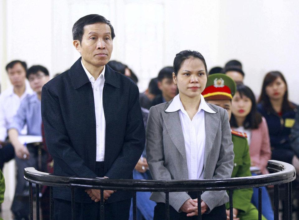 """Hanoi, arrestati due blogger e attivisti per """"propaganda contro lo Stato"""" in rete"""
