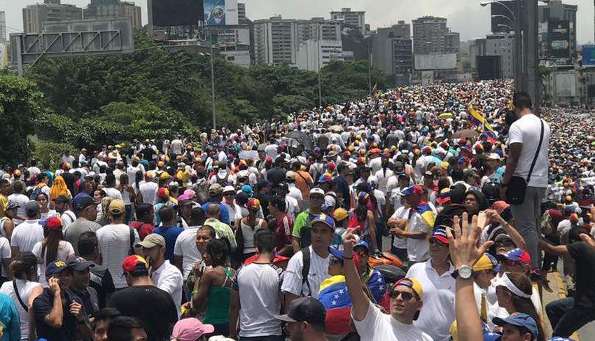 Venezuela, ecco cosa sta succedendo nel Paese in crisi